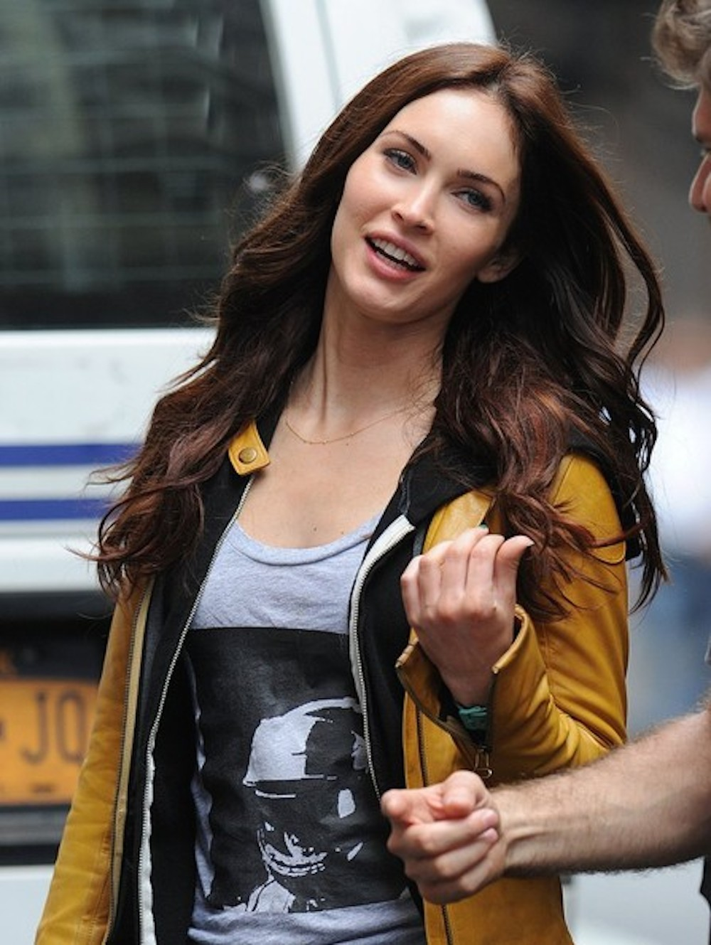 Megan Fox Looking Awesome at the TMNT Downtown Shooting ...