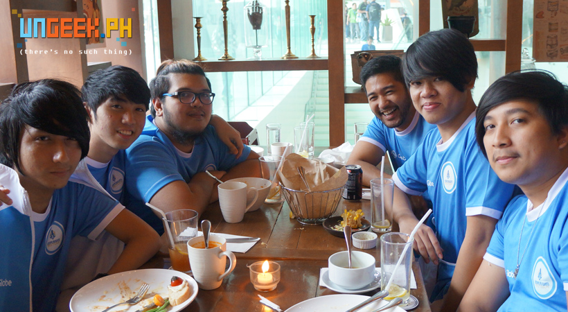 The Imperium Pro Team enjoying a hearty lunch! (L-R: Light, Suez, H4T3, Raph, JLC, Poysanity)