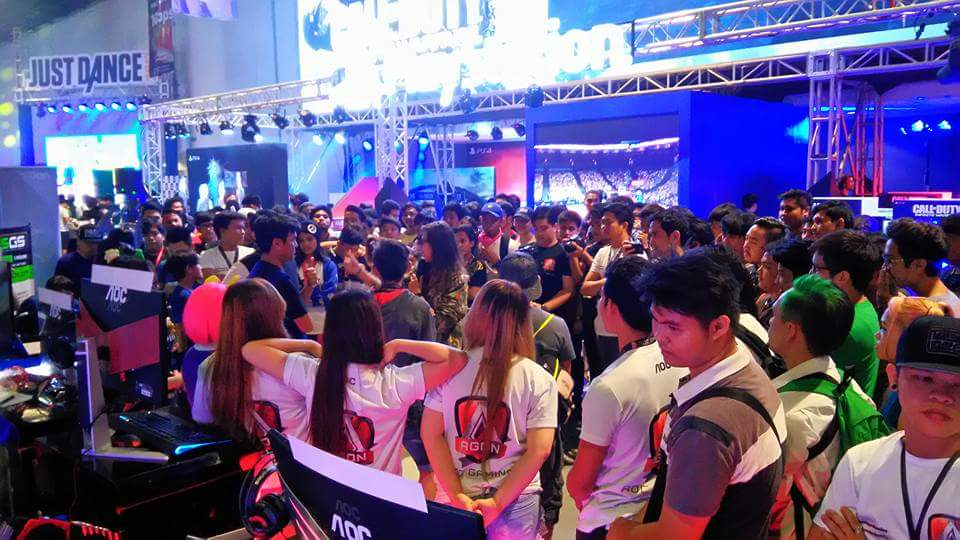The AGON booth also held mini activites which were hosted by Mineski TV's own Allyza Taylor.