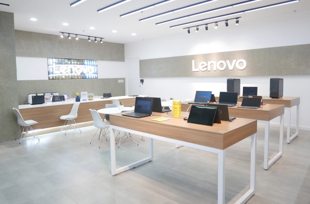 Lenovo opens up its first service center in the Philippines
